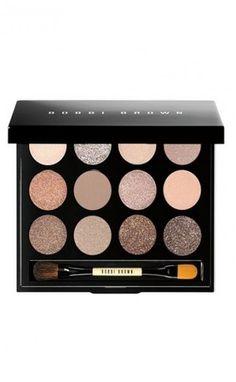 Shimmering sands eye palette by Bobbi Brown. Packed with 12 brand-new universally flattering nude shadows in a range of textures, Bobbi Brown . Kiss Makeup, Love Makeup, Hair Makeup, Pretty Makeup, Makeup Haul, Stunning Makeup, Simple Makeup, Sephora Eyeshadow, Makeup Eyeshadow
