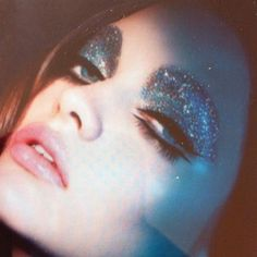 glitter on the eyes and glitter in our lives | ban.do