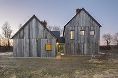 Modern barn style home in Ontario, Canada. Architects: Lee and Macgillivray Architecture Studio (LAMAS) Architecture Durable, Modern Architecture House, Architecture Design, Architecture Panel, Drawing Architecture, Architecture Portfolio, Montreal Architecture, Farmhouse Architecture, Modern Barn House