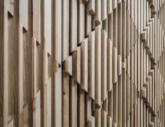 The interior design studio estudiHac has designed the new Poncelet Cheese Bar Barcelona, located inside the Hotel Meliá Sarriá.