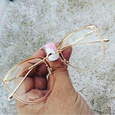 - Super Glasses Frames Trendy Eyeglasses Ideas – Super Glasses Frames Trendy Eyeglasses Id - Round Lens Sunglasses, Cute Sunglasses, Sunglasses Women, Sunnies, Super Glasses, Fake Glasses, New Glasses, Glasses Frames Trendy