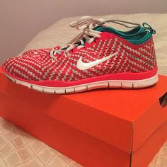 Womens, red and white checkered. Turquoise trim. Womens, red and white checkered. Turquoise trim. Fantastic condition. Open to reasonable offers Nike Shoes Athletic Shoes