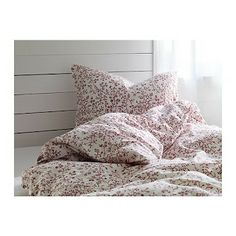Red floral duvet cover and pillowcases