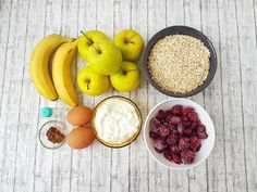 Prajitura cu ovaz, mere si visine   Foodieopedia Dukan Diet, Raw Vegan, Healthy Recipes, Healthy Food, Plum, Sugar, Diet, Banana, Healthy Foods
