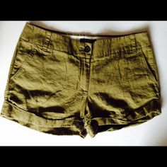 J. Crew Baird McNutt Irish Linen Shorts Super Stylish J. Crew Baird McNutt Irish Linen Shorts in Beautiful Olive Green. Great Condition. Light and breezy. Perfect for Summer Leisure Days. J. Crew Shorts