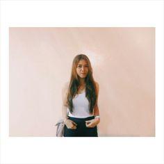 Well, messy hair don't care. Filipina, Messy Hairstyles, Photo Art, Polaroid Film, Daughter, Tops, Women, Fashion, Moda