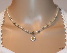 Perlenkette mit Edelweiss von Edelweiss51 auf Etsy