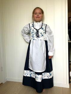 AnnelinEgeland: Festdrakt bilde toturial Kimono Top, Tops, Women, Fashion, Pictures, Moda, Fashion Styles, Shell Tops, Fashion Illustrations