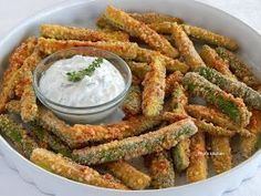 Fried zucchini in the oven Pepi's kitchen: Κολοκυθάκια τηγανιτά στο φούρνο Greek Recipes, Baby Food Recipes, Cooking Recipes, Healthy Snacks, Healthy Recipes, Good Food, Yummy Food, Greek Cooking, Appetisers