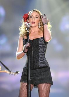 Ashley Monroe musician, of the pistol annies