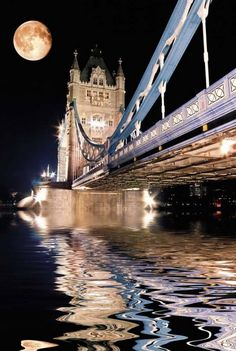 The Tower Bridge in London. Defiantly a must see place! Gorgeous at night. #BucketList #London #SeeTheWorld –– Pinterest.com