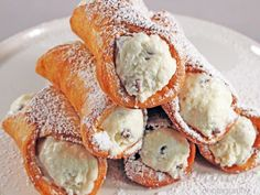I was never really a huge fan of the cannoli. Until I started making my own. I know, I know that sounds really egotistical, but it's true! This cannoli recipe (in my opinion) is one of the best. There is just something super weird about that cinnamon oil ~ rubbery texture I've had in many …
