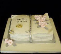 Kitap şeklinde nişan pastası