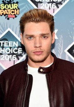 Dominic Sherwood- Teen Choice Awards 2016