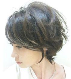 Pin on ヘアスタイル Short Bob Haircuts, Cute Hairstyles For Short Hair, Short Haircut, Wavy Hair, New Hair, Medium Hair Styles, Short Hair Styles, Great Hair, Hair Designs