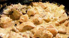 Préparation : Coupez le poulet en gros morceaux et faites-les dorer dans une cocotte avec l'huile d'olive. Épluchez les oignons et les carottes. Coupez-les en morceaux. Égouttez les champignons de Paris Ajoutez-les au poulet avec le clou de girofle, du sel et du poivre. Couvrez d'eau f