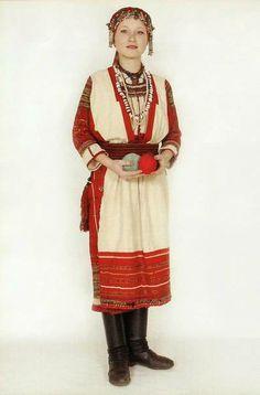 Erzyan female> > http://en.wikipedia.org/wiki/Erzya_language > http://en.wikipedia.org/wiki/Mordvins