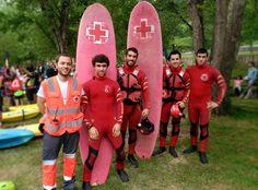 """Voluntarios/as Cruz Roja Bermeo (Cruz Roja del Mar) y Cruz Roja Encartaciones cubriendo """"Descenso del Cadagua"""""""