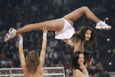 in what world would a cheerleader ever be doing this?!? im laughing so hard.