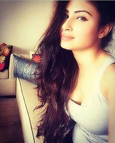Morning selfii @imouniroy looking beautiful . love youu @imouniroy