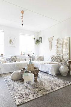 How To Make Home Decoration Items Key: 9120315805 Ibiza Style Interior, 1930s House Interior, Grey Interior Doors, Interior Sliding Barn Doors, Living Room Interior, Nordic Interior, Black Rooms, White Decor, Room Inspiration