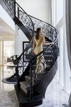 Pin De Lizeth Esparza En Herrer Atilde Shy A Liz Interior Stairs House Wrought Iron Stair Railing, Stair Railing Design, Wrought Iron Gates, Staircase Railings, Staircases, Staircase Ideas, Grand Staircase, Escalier Design, Beautiful Stairs