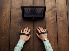Um novo hardware promete possibilitar o desenvolvimento de um teclado invísivel, que utiliza apenas uma pulseira para a digitação, conhecida como AirType. Conheça!