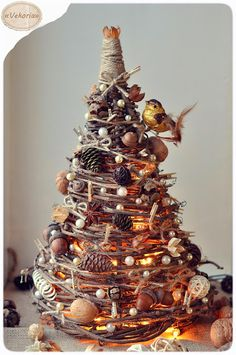 DIY christmas tree made of branches of a tree / ёлка из веток дерева