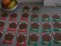 . Kindergarten Graduation, Presents For Kids, Christmas Projects, Origami, Diy And Crafts, Kids Rugs, Children, Back To School, School