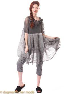 83d598ee9aa6f5 Onesize Kleid mit floralen Applikationen in black und coal von RUNDHOLZ DIP.  dagmarfischer mode