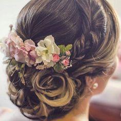 """@sugar_collections te acompaña en los mejores momentos """"Tocado de Flores"""" para #Novias  . Visita su galería @sugar_collections Contacto vía Sugarcollections@gmail.com . #Accesories #Bride #Headwear #DirectorioMModa #MModaVenezuela #Moda #Trends #Fashion"""