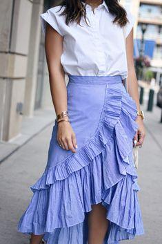 Carolina Hellal of Chic Talk wearing a Chicwish Maxi Skirt, Topshop white button… 2019 Maxi Skirt Style, Skirt Outfits, Chic Outfits, Spring Outfits, Dress Skirt, Flowy Skirt, Maxi Skirts, Jean Skirts, Chambray Skirt