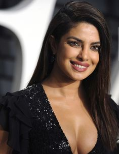 Cleavage – Hot Actress Gallery