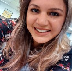A @maiararoberto usando o Soft Matte Lip Cream Abu Dhabi que ela comprou na loja da NYX do Shopping Vitória