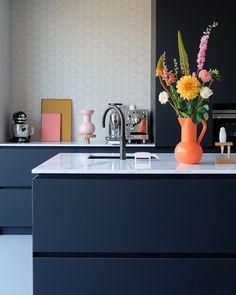 Kitchen Interior, New Kitchen, Rustic Kitchen Design, Kitchen Trends, Minimalist Kitchen, Küchen Design, Interior Design Tips, Kitchen Styling, Natural Living