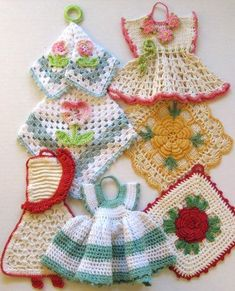 vintage crochet potholders does anyone have this pattern and whish to share pleaseVintage Crochet Patterns - Love crochet potholders especially the little dresses.Premium Vintage Potholders pattern by Maggie WeldonHang in kitchen: Collecting Vintage Crochet Kitchen, Crochet Home, Crochet Crafts, Yarn Crafts, Crochet Projects, Knit Crochet, Thread Crochet, Crochet Dolls, Crochet Ideas