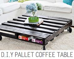Pallet Table Plans Pallet furniture ideas- 21 DIY Pallet Sofa Plan And Ideas - 21 Pallet Sofa Plan and ideas that will transform old wood pallets into beautiful projects that will help fill your home and yard with style and personality Pallet Table Diy, Diy Space Saving, Home Diy, Pallet Diy, Diy Pallet Sofa, Pallet Sofa, Handmade Furniture, Diy Furniture Easy, Coffee Table