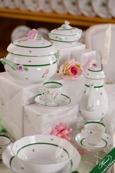 """Vienna Rose Herend Porcelain Sets - (VRH The charm and modesty of the """" Old Rose of Herend """" have kept it popular to the present day. English Tea Time, Old Rose, China Sets, Royal Copenhagen, Hand Painted, Painted Porcelain, Timeless Wedding, Wedding Gifts, Wedding Ideas"""