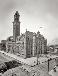 Detroit Post Office - ca. 1902. Love the architecture...back in the day.