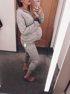 34 weeks pregnant // Maternity style in NON maternity clothing from Nordstrom // Lynzy & Co. Blogger Dressing Room Diaries