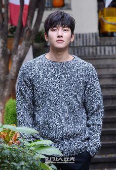 ❤❤ 지 창 욱 Ji Chang Wook ♡♡ that handsome and sexy look . Ji Chang Wook 2017, Ji Chang Wook Smile, Ji Chang Wook Healer, Ji Chan Wook, Kdrama Actors, Tv Actors, Asian Actors, Korean Actors, Korean Dramas