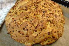 Italiaans brood En dan met spekjes, paprika, ui, gedroogde kruiden