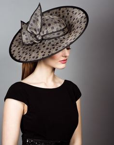 Spot straw sidesweep hats with self spot twist.