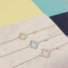 Latelita London Open Clover Bracelet (£39) ❤ liked on Polyvore featuring jewelry, bracelets, four leaf clover jewelry and clover jewelry