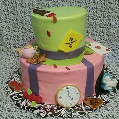 Xaiya's 6th Alice in Wonderland birthday cake made by Patsy's Sweet Shoppe in West Allis.