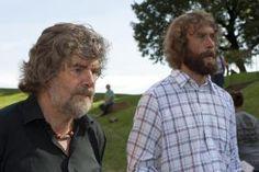 Von Bergen und Bärten: Reinhold Messner (l.) und einer seiner Presse-Gäste