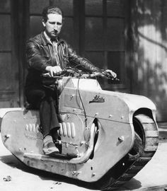 Vintage Motorcycles Now THAT is a manly motorcycle! - More memes, funny videos and pics at Futuristic Motorcycle, Motorcycle Tank, Women Motorcycle, Motorcycle Helmets, Cool Motorcycles, Vintage Motorcycles, Vintage Bikes, Vintage Cars, Retro Cars