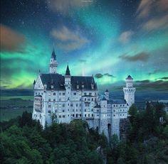 Amazing Pictures @AMAZlNGPICTURES  Mar 11 Neuschwanstein Castle, Germany.