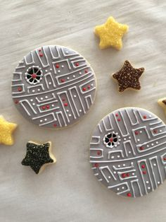 Sweet Jenny Belle Bakery - Death Star sugar cookie video tutorial