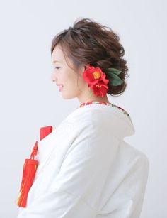 着こなしのセンスが問われる♡和装前撮りにおすすめ【白無垢コーディネート】集*にて紹介している画像 Japanese Wedding, Hair Arrange, Weeding, Hair Comb, Ever After, Bridal Hair, Wedding Hairstyles, Wedding Planning, Hair Makeup